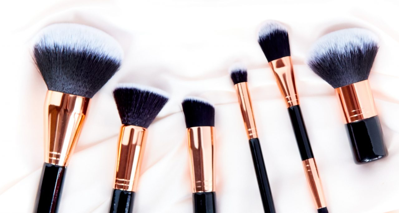Set of Icing foundation brushes